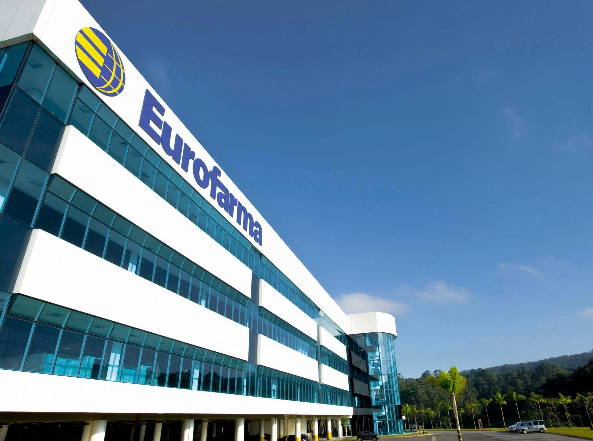 Entrada da Eurofarma, empresa que expande operações no Chile