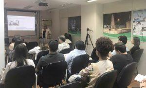 Palestra sobre setor farmacêutico em Portugal