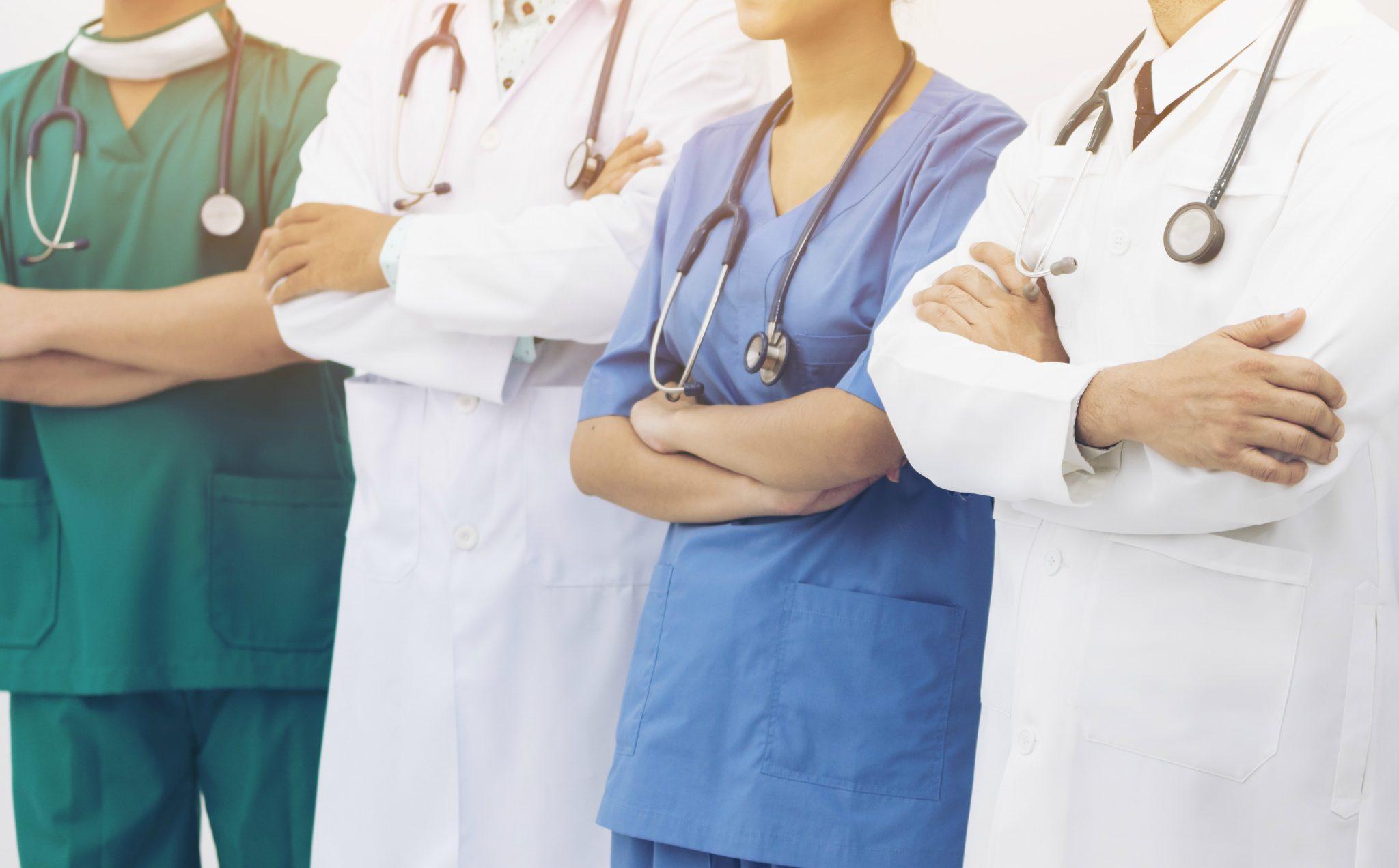 Profissionais da saúde convocados para combater coronavírus