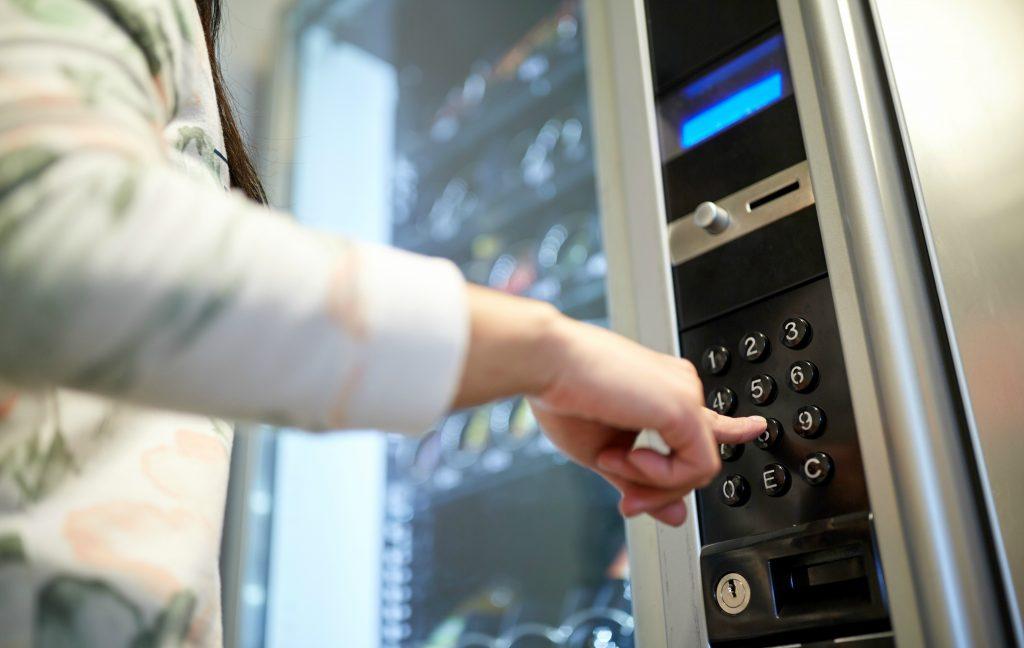 Cremer lança Vending Machines com itens de proteção à Covid-19 nos metrôs de SP