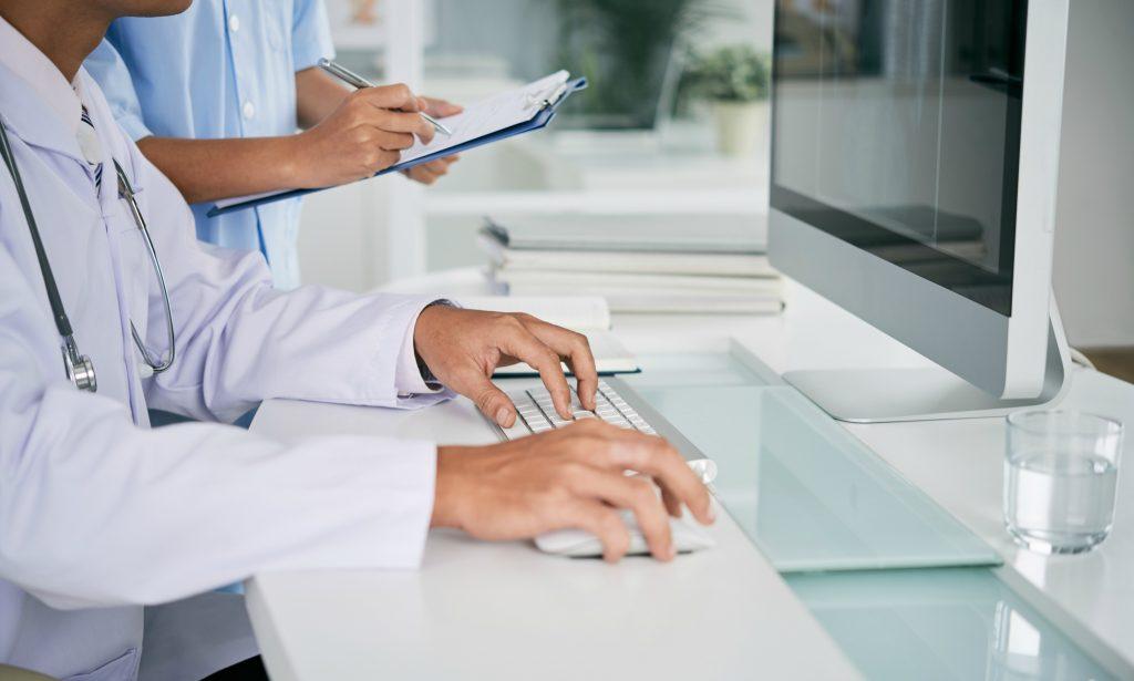 Future Trends traz médico israelense para compartilhar experiências do país com a digitalização da saúde