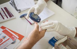 Farmácias realizam mais de 20 exames com ajuda de plataforma Clinicarx