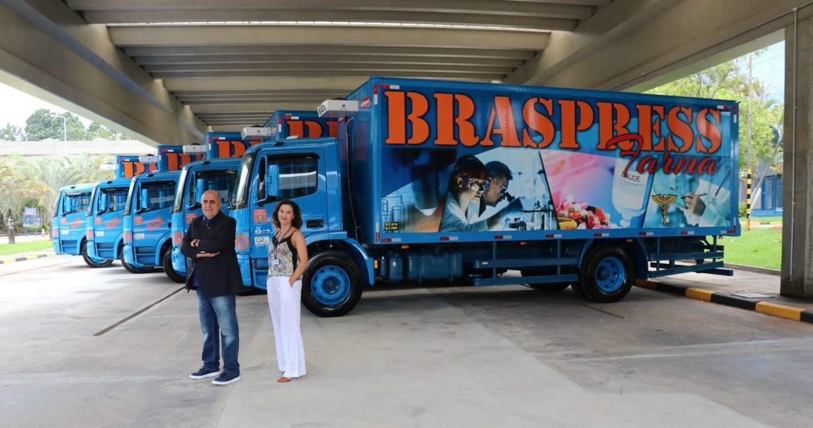 Daniela Teixeira, Gerente de Farmácia, e Urubatan Helou, Diretor Presidente da Braspress (Foto: Divulgação)