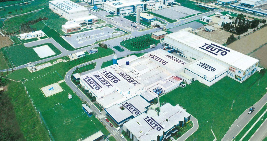 Laboratório Teuto chega a marca de 17 produtos de referência pela Anvisa